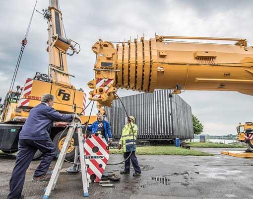 nomanslanding-germany-build-dome-crane