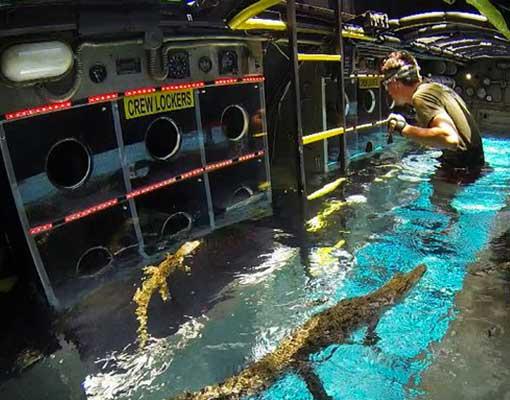 im-a-celebrity-submarine-challenge-filling-water