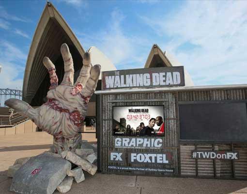 the-walking-dead-zombie-hand-sydney-opera-house